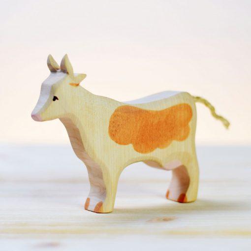 Barna foltos tehén